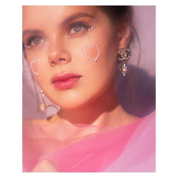 Miamitats Кристаллы на клейком слое для лица, волос и тела Pearl in White